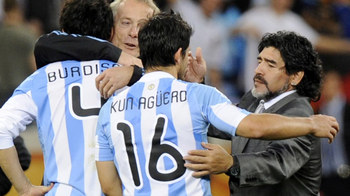 Aguero izabrao idealni tim Argentine od pet igrača, ali nije uvrstio Maradonu