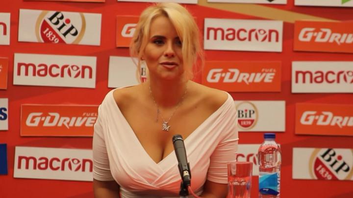 Ko je prsata plavuša o kojoj bruji kompletan Balkan?