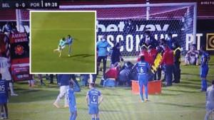 Stravičan sudar, hitna na terenu i suze saigrača: Golman Belenensesa nokautirao igrača Porta