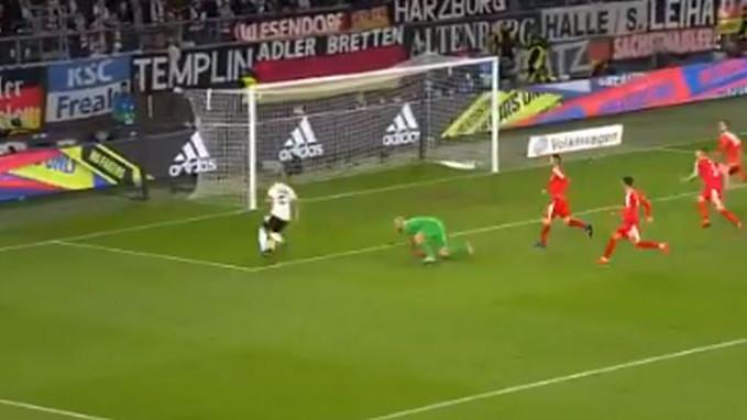 Svi su vidjeli loptu u golu Srbije, a onda se pojavio Maksimović