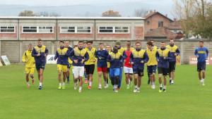 Nogometaši Bratstva u sjajnoj atmosferi dočekuju Orašje