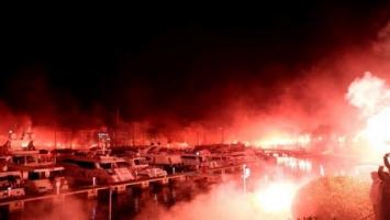 Gate 7 za 90. rođendan Olympiakosa zapalio Pirej