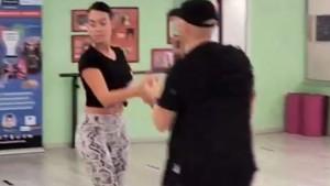Georgina pokazala kako uči plesati, ali niko nije mogao prestati gledati u njenu zadnjicu