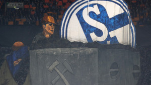 Navijači Schalkea nakon poraza od Cityja doživjeli nevjerovatnu situaciju na aerodromu