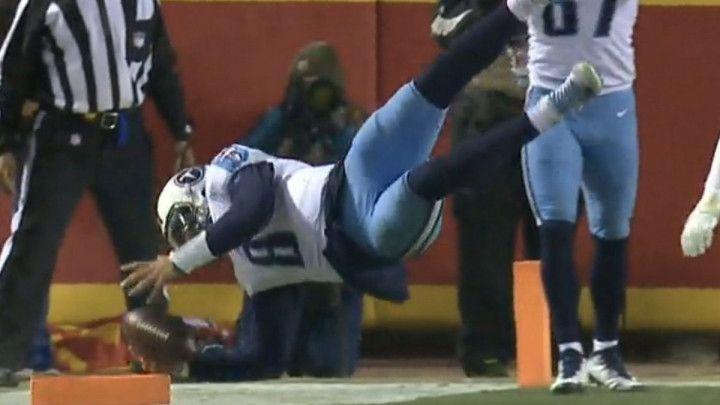 Šta će mu iko, može sve sam: Pogledajte najbizarniji touchdown ikada
