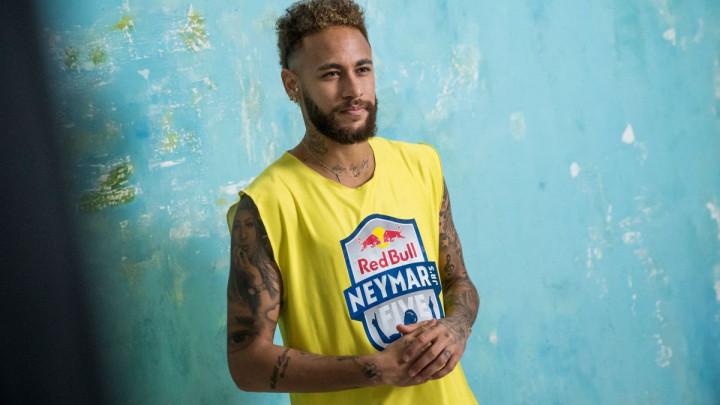 Sedam nogometaša amatera će dobiti priliku da igra protiv Neymara