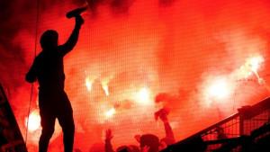 Navijači Hamburga napravili haos na susretu DFB Pokala