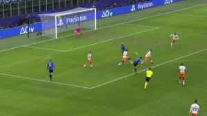 Valencia na koljenima: Spektakularan gol Freulera za 3:0
