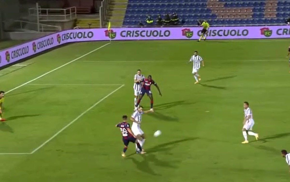 Iznenađujući početak meča Crotone - Juventus