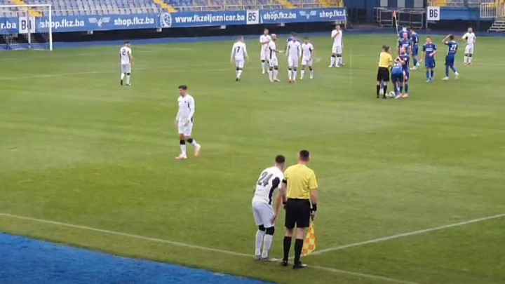 Problem za FK Željezničar: Semir Štilić zbog povrede napustio meč