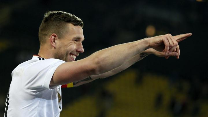 """Podolski se javio prijatelju: """"Vodi me u taj klub"""""""