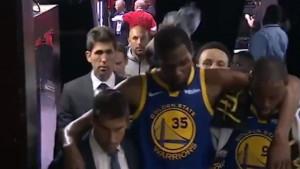 Kevin Durant na štakama napustio dvoranu