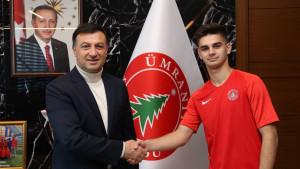 Veliki talenat bh. fudbala odigrao svega 38 minuta: Šta se dešava s Ajdinom Hasićem?