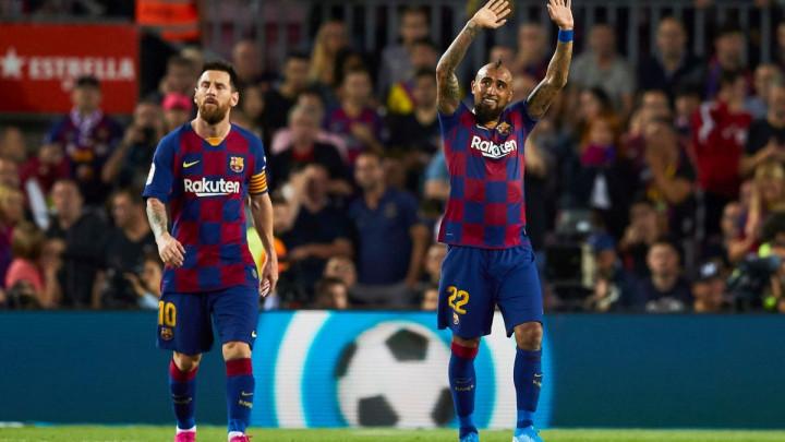 Messi se emotivnom porukom oprostio od Vidala, a on mu odmah ostavio komentar