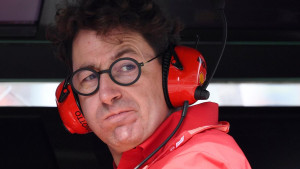 Šef Ferrarija konačno objasnio zašto je uzeo Leclercu pobjedu u Singapuru i dao je Vettelu