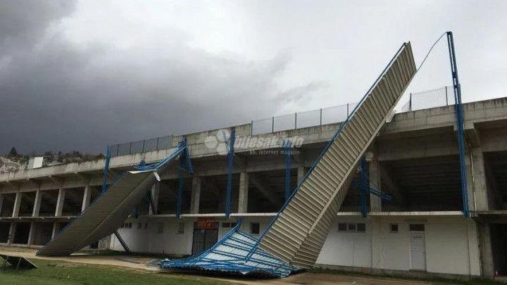 Problemi za GOŠK: Vjetar otpuhao krov na stadionu u Gabeli