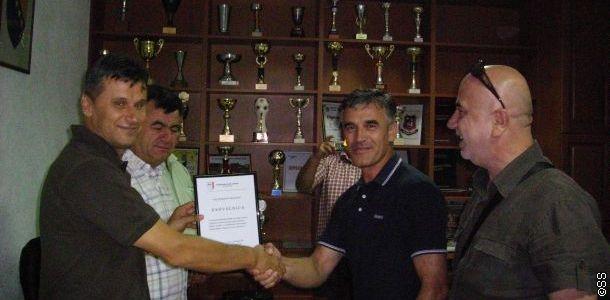 nk_zvijezda_i_fk_iskra_potpisali_ugovor_o_sportskoj_saradnji_141628_84210_big.jpg