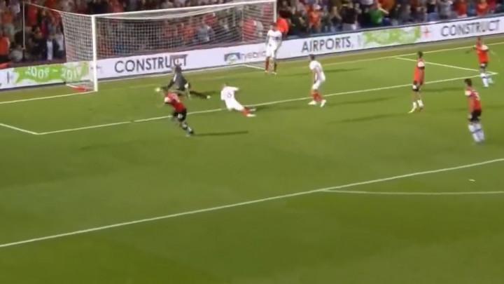 Čudesan početak Championshipa: Spektakularni golovi, sjajne odbrane, velike greške