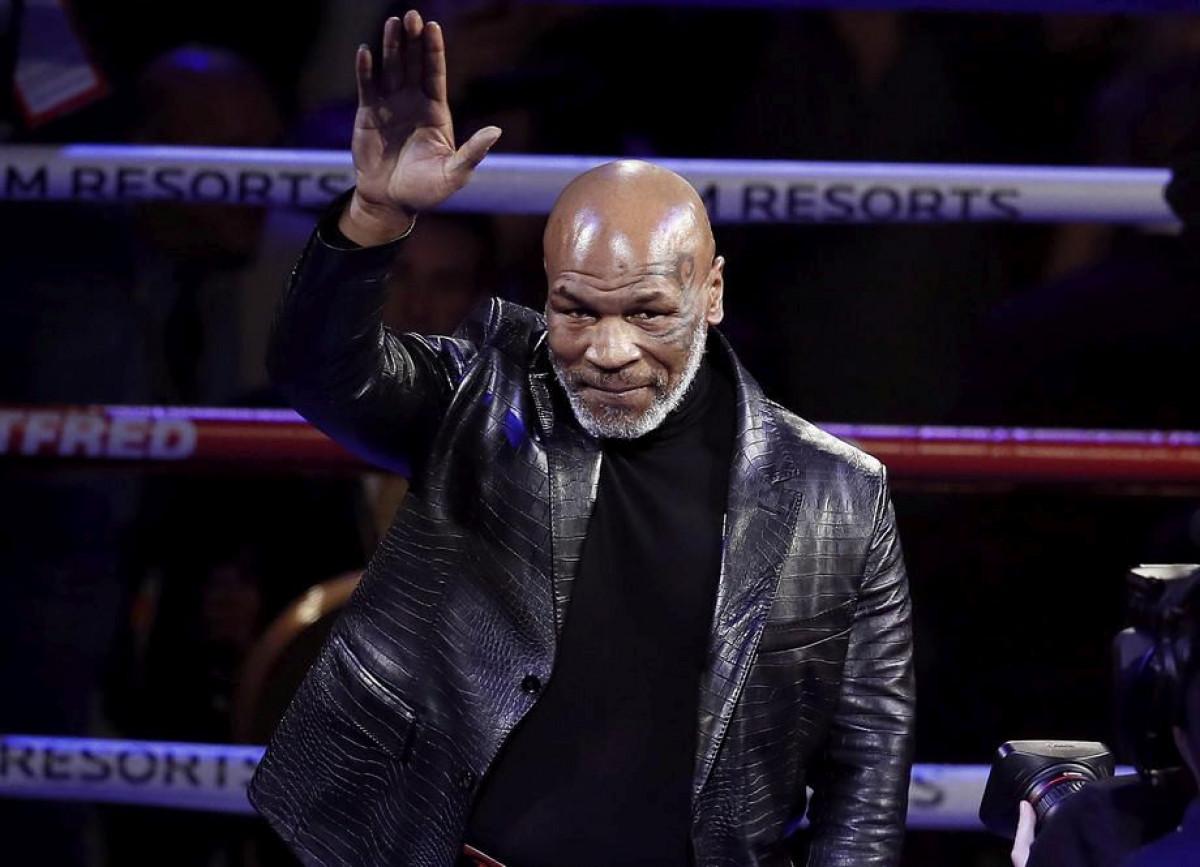 Maradona nas je napustio, oglasio se i Tyson