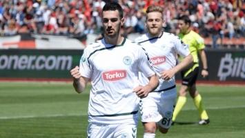 Olympiakos se uključio u borbu za Bajića