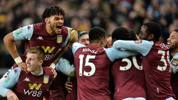 Aston Villa smanjila plaće za 25 posto