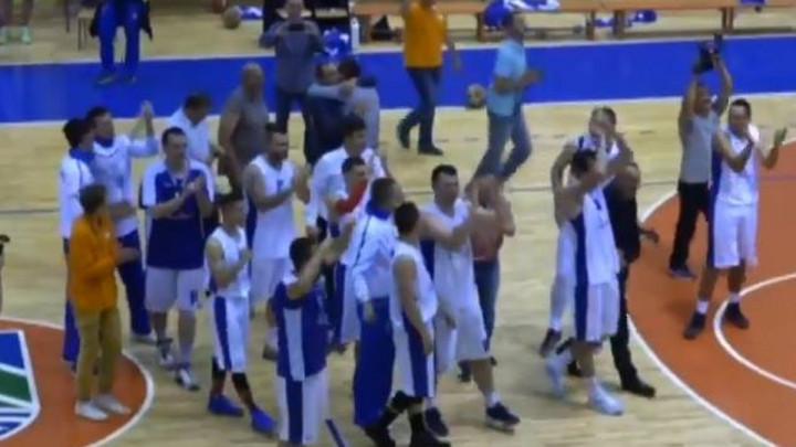 Prepune tribine ispratile košarkaše Bratunca u Premijer ligu!