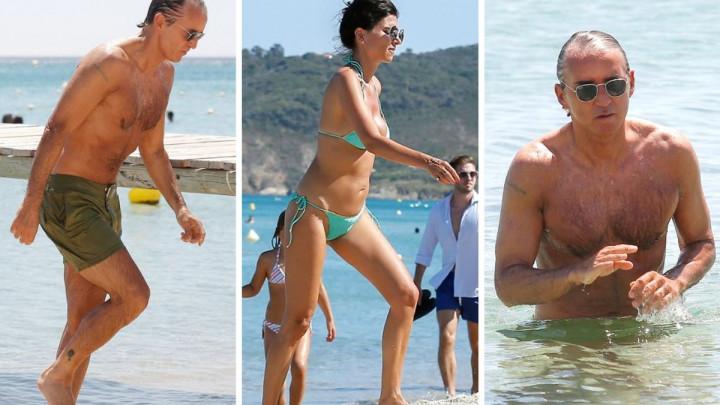 55-godišnji Roberto Mancini i supruga Silvia pokazali vrhunske forme na plaži za bogate