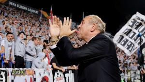 Pitate se zašto Eintracht gazi sve pred sobom? Slike iz Nikozije sve govore