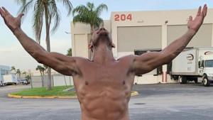 Istesan do savršenstva: Bivši UFC šampion je neprepoznatljiv