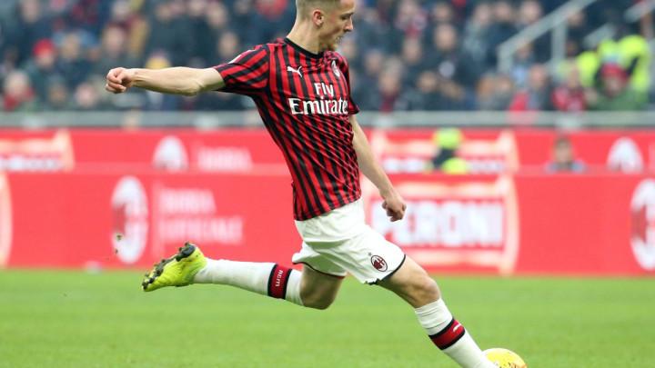 AC Milan kupio Alexisa Saelemaekersa