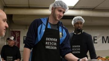 Nurkić služio siromašne u Denveru
