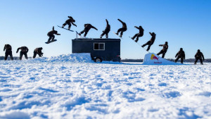 Snowboarding na zaleđenom jezeru