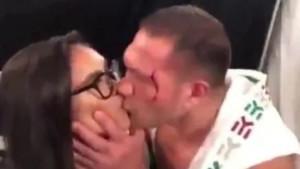 Novinarka otkriva detalje: Taj poljubac nije sve što mi je napravio