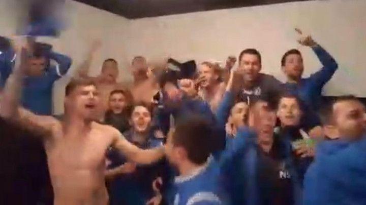 Veliko slavlje igrača i stručnog štaba Radnika nakon plasmana u Ligu za prvaka