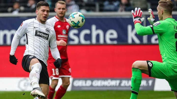 Eintracht ubjedljiv, Hertha slavila u Hamburgu