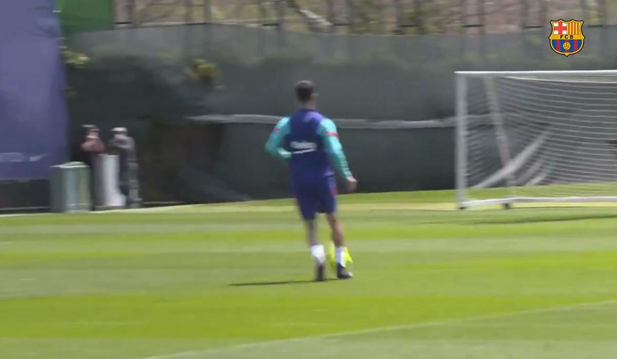 Kad već ne može na utakmicama Pjanić je odlučio da na treningu pokaže kakav je majstor
