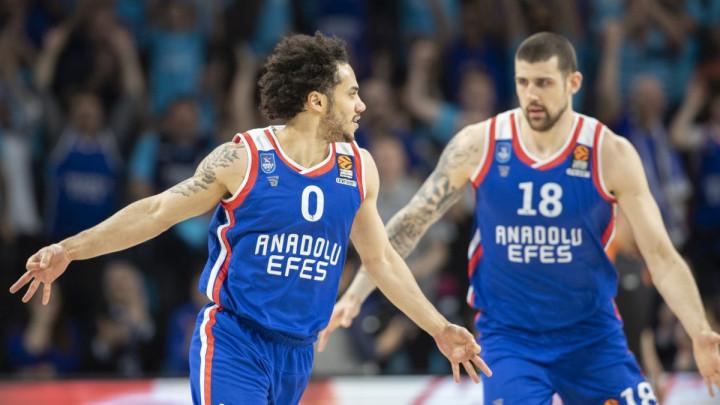 Efes upisao novu pobjedu i došao na korak do finala prvenstva