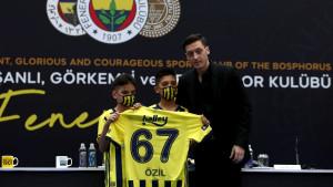 Ozil nakon potpisa za Fenerbahce donio još jednu važnu odluku u karijeri