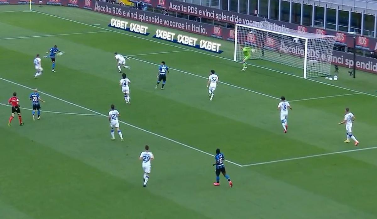 Ashley Young nikada nije postigao spektakularniji gol nego danas protiv Brescije
