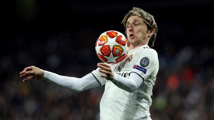 Van de Beek stiže u Real Madrid, a Luka Modrić seli u Italiju?