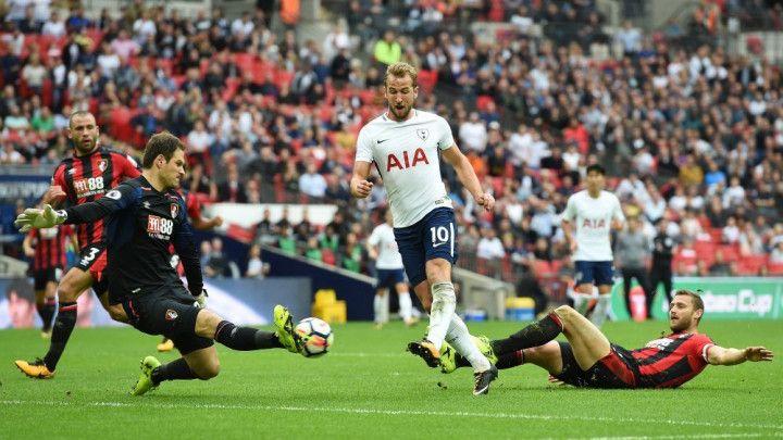 Begović dva puta vadio loptu iz mreže, ali odbranio penal u nadoknadi za bod u Londonu