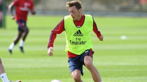 Agent Mesuta Ozila: On ostaje u Arsenalu iako nije odigrao ni minute