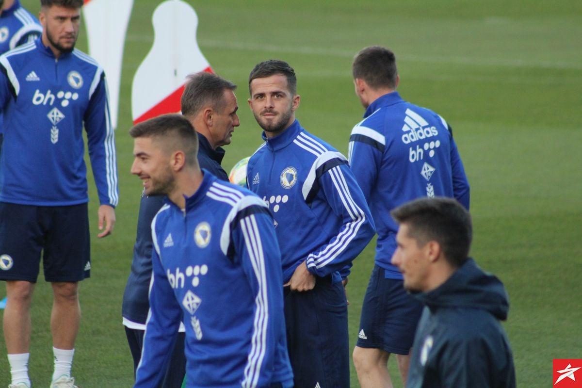 Pjanić i Hotić se priključili reprezentaciji: Svi igrači spremni za duel protiv Finske