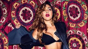 Zanosna novinarka skinula sve sa sebe: Erika pokazala zašto je prava seks bomba!