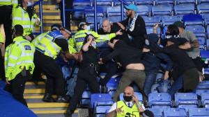 Pojavio se novi video tuče navijača Leicestera i Napolija: Nastradali policajcii redari