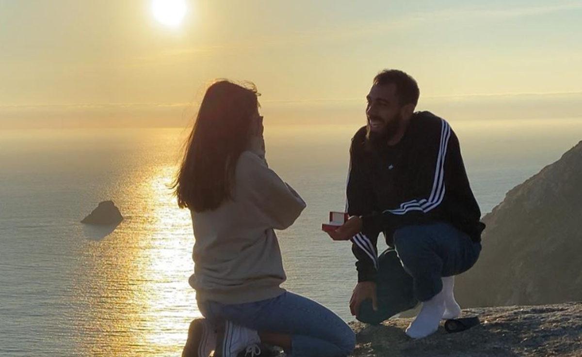 Nogometaš odveo djevojku na 'kraj svijeta' i uz nevjerovatan prizor ju je zaprosio