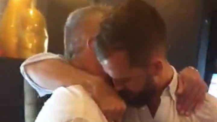 Pogodila ga pjesma Šerifa Konjevića: Pjanić zagrlio oca Fahrudina i zaplakao na proslavi transfera