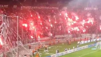 Navijači PAOK-a zapalili stadion