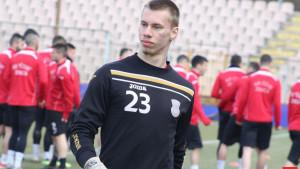 Nije odigrao nijednu utakmicu za Čelik, a sada karijeru nastavlja u grčkom Apollonu