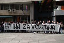 Navijači Sarajeva protestovali ispred Ambasade Hrvatske